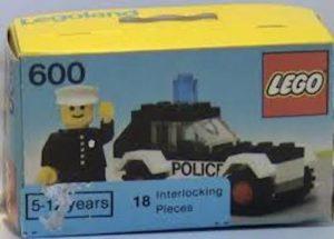 history of the minifigure: LEGO police minifigure