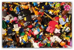 How to Display Minifigures: A Beginner's Guide