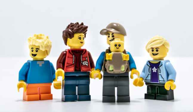 LEGO minifigure family by Teddi Deppner @mightysmallstories